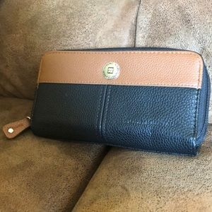 Genuine Leather Stone Mountain Double Zip Wallet
